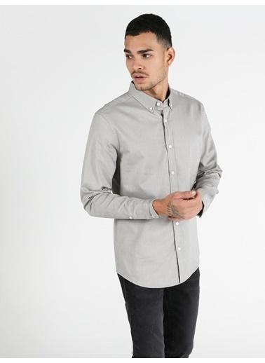 Colin's Slim Fit Standart Kol V Yaka Erkek Gömlek Uzun Kol Bej